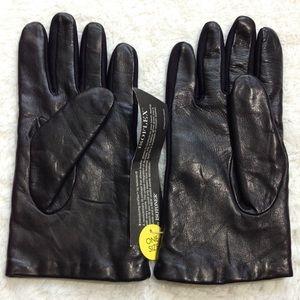 Isotoner Leather Isoflex Gloves